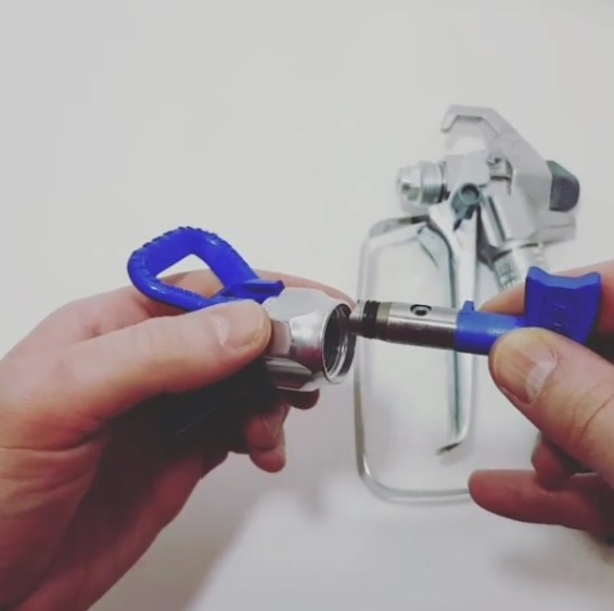 Hose Spray Nozzle >> How to Change Graco RAC X Seal with Video Instructions - Airless Discounter - News for Home Painters