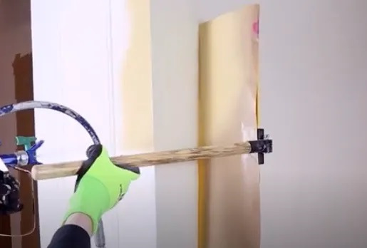 using-a-spray-shield-for-painting-edges